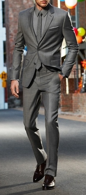 Groomsmen. Grey on grey suit. Maybe with bowtie. Maybe. Sharp ;-)