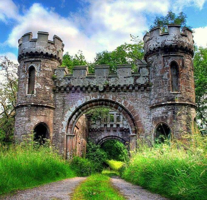 Abandoned castle... I think I'd just move in and enjoy myself. Would be a great place to write!