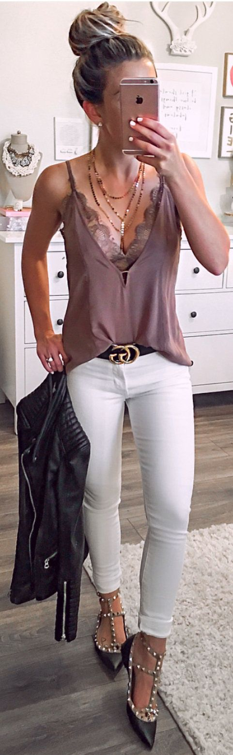 #spring #outfits brown spaghetti strap top with pants and heeled shoes outfit. Pic by @laurabeverlin