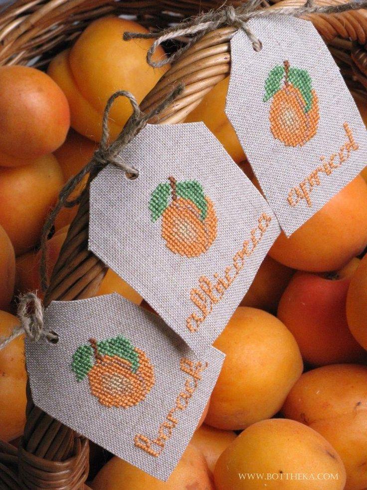 Apricot brandy's or jam's decoration - Apricot Barack Albicocca FREE cross stitch pattern xszemes punto croce Botthéka©2014 http://bottheka.com/en/apricot-brandys