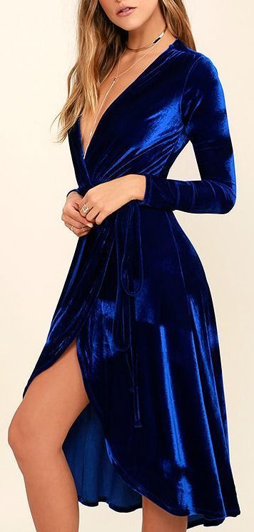 Lovely royal blue wrap dress, perfect Christmas outfit! Winter fashion for women! Velvet is pretty trendy right now.   <3 @benitathediva