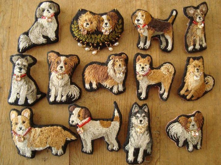 犬の刺繍ブローチ (シュナウザー) - MIYUMO