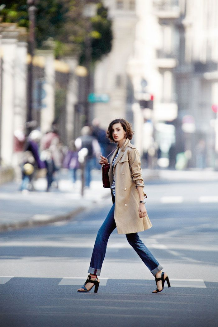 Парижский шик, Нина де ла Фрессанж, parisian chic, Nina de la Fressange, тренч, trench coat, blue jeans