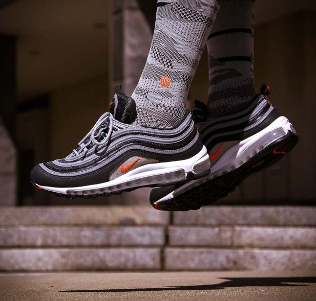 Anthracitefarbener Air Max 97