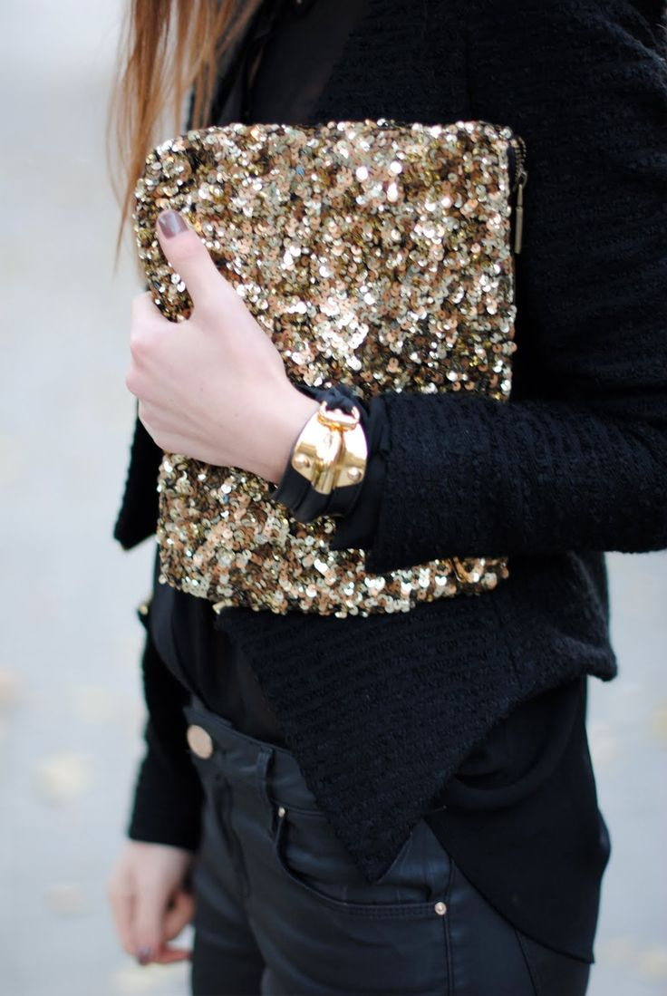 ///: Gold Clutch, Fashion, Black Outfits, Style, All Black, Gold Sequins, Clutches Bags, Black Gold, While