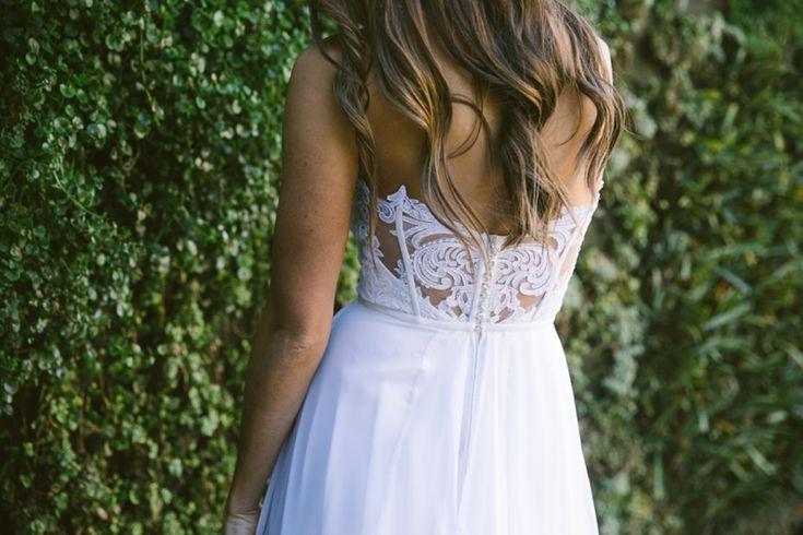 Lace details. Dress: Julia Ferrandi Photo: Lad & Lass