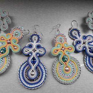 #stebotavo #handmade #handmadejewelry #soutache #oneofakind #ooak #jewelry #earrings #swarovski #sitesperky #nevesta #jewelryporn #earringsaddict #beadembroidery #wedding #gold #elegance #earringsoftheday #fashionista #dnestvorim #instajewelry #tvorba #sperky #nausnice #color #summer #blingbling #sikovneSlovenky #whomadeyourjewelry