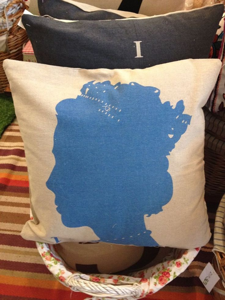Queen's Profile Eco Jute Cushion! Was $12 Now $9.60 (Offer ends 24th July 2014)