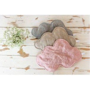 """Veilleuse en forme de nuage grand model """"Plumette"""" réalisée avec du lin rose. La veilleuse diffuse une lumière très douce et tamisée. Ficelle argnenté pour l'accrocher.Veilleuse toute douce qui peut se deplacer dans toutes les pieces de la maison au grès de vos envies!!"""