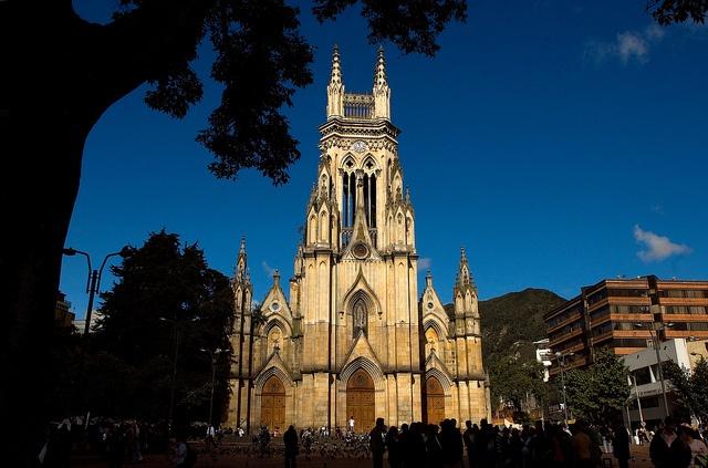 Iglesia-Nuestra-Señora-de-Lourdes---Germán-Montes, via Flickr.