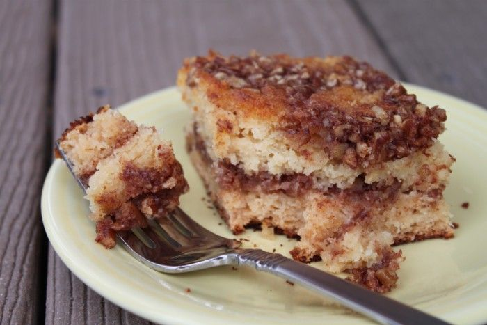 {Paleo} Coffee Cake (Grain-free and refined sugar-free) using almond or arrowroot & coconut flour *** Reduced honey in cake to 1/3. Added 2 tbsp arrowroot. Make sure walnuts are chopped small to spread more easily. Would make again! ML