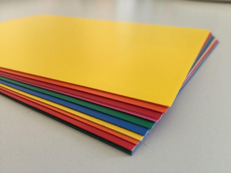 Rivestimenti adesivi colorati spessore 250 m. per decorare vetrine, negozi, stand, ecc.