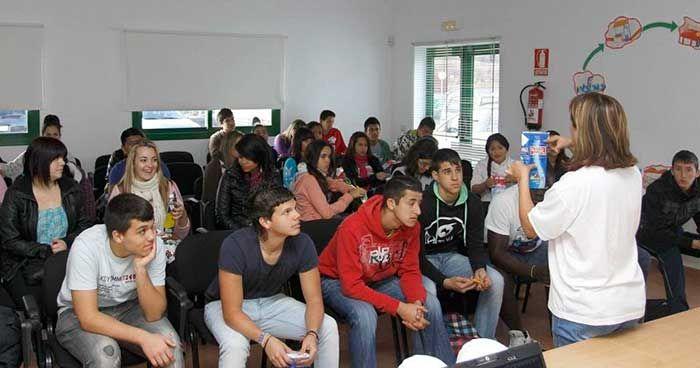 El plazo de inscripción comienza el 1 de agosto y permanecerá abierto hasta el 15 de septiembre. Estas acciones formativas se enmarcan dentro del Plan de Sensibilización `Código Joven´ de la Junta de Andalucía.