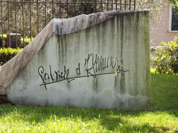 #firma #gabrieledannunzio #dannunzio #vittoriale #scritta #marmo #memorie #italia #storia
