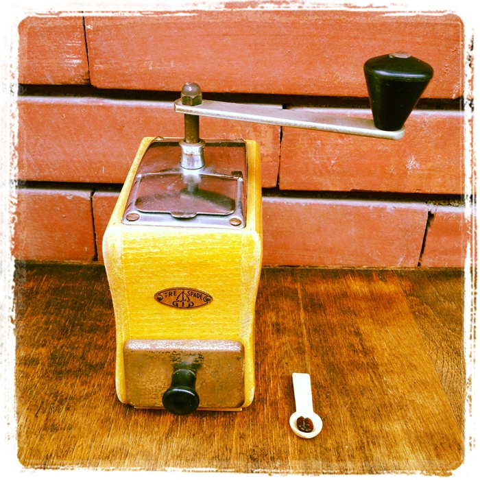 Vintage #macinacaffe #coffee grinder #trespade #caffe