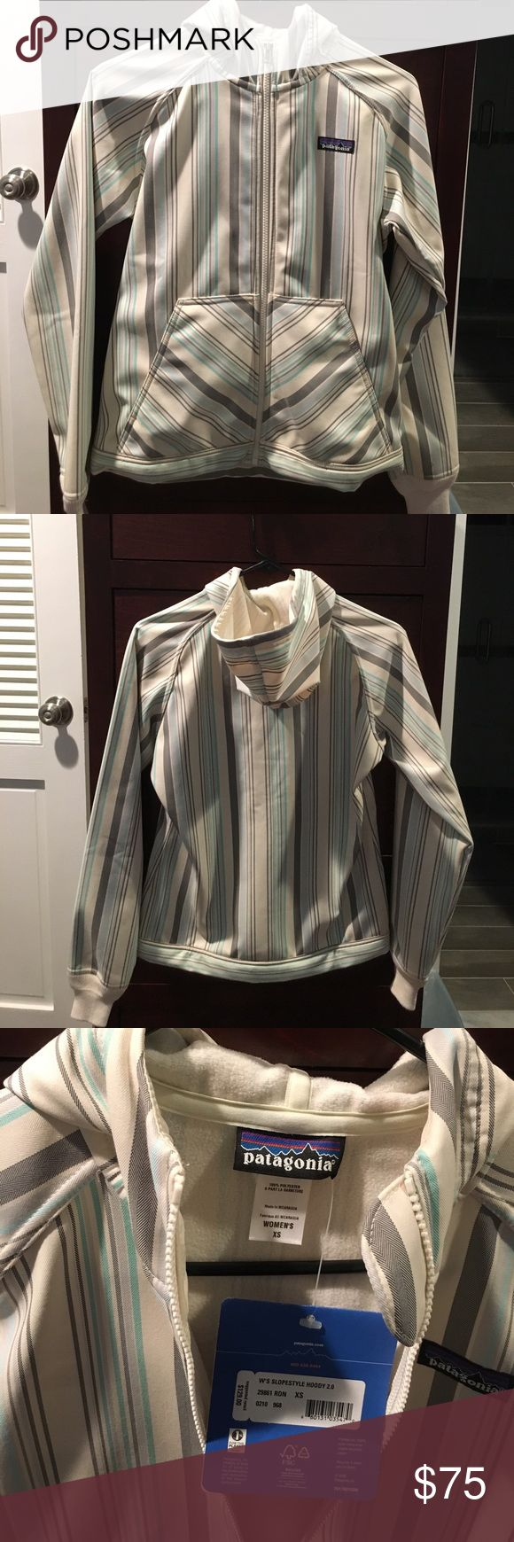 Patagonia Women's XS Slopestyle Hoody 2.0 BNWT XS Patagonia jacket- creme colored with gray and green stripes- Retail $129 Patagonia Jackets & Coats