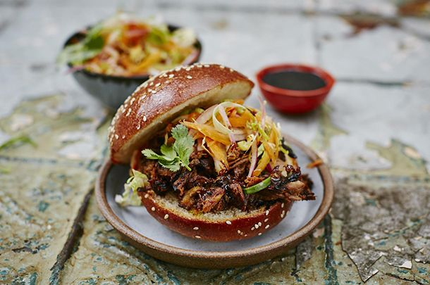 pulled pork slow cooker - at last, a recipe that doesn't drown in barbeque sauce!