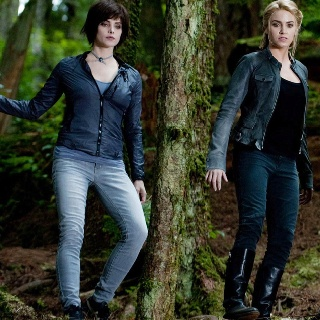 Twilight Saga:Eclipse ~ Alice Cullen (Ashley Greene) and Rosalie Hale ( Nikki Reed)