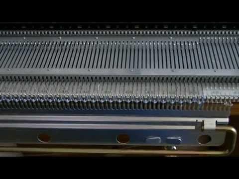 Двухфонтурная оттяжная гребенка может с успехом заменить гребенку для однофонтурного вязания. При вязании на машине, когда мы работаем на одной игольнице, кр...