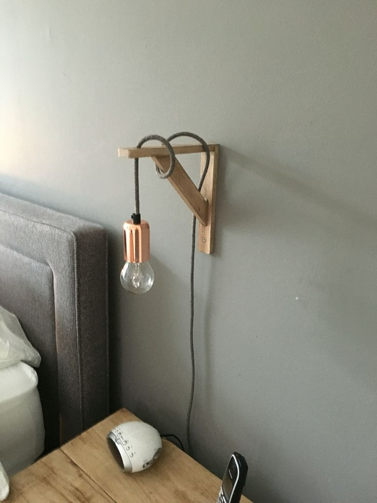 Helemaal blij met onze nieuwe (zelfgemaakte) bedlampjes!