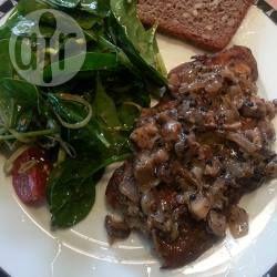 Peppercorn sauce for steak