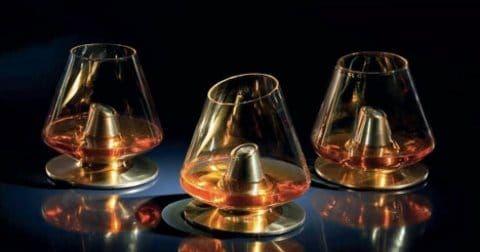Le jeune designer Kacper Hamilton s'est associé à une marque célèbre de Whisky pour cette création au nom sans fioriture, « L'Art de la Dégustation ». Afin de célébrer la cuvée 12 ans de la société…