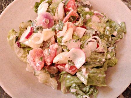 Nyári saláta tonhalas öntettel