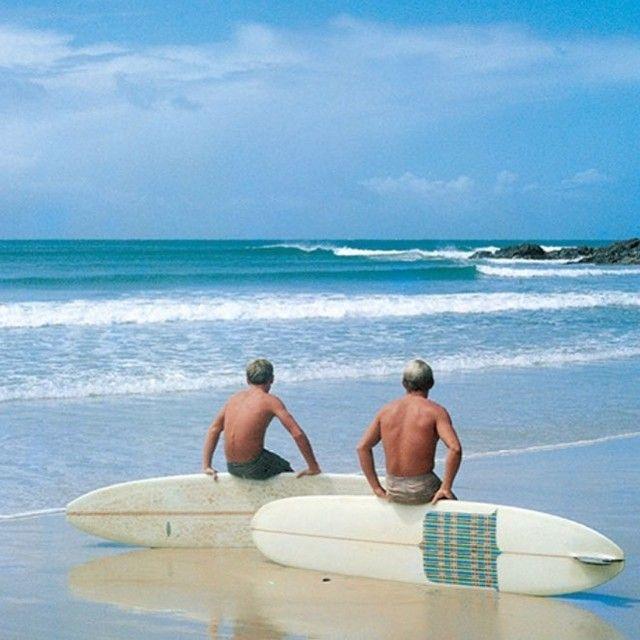 Vintage Chill. Bob McTavish and Russell Hughes 1966. John Witzig. #bobmctavish #russellhughes @johnwitzig #johnwitzig #surfhistory #vintagesurfphotos #oldsurfphotos #vintagesurfboard #oldsurfboard #surf #surfer #surfing #surfboard #vintagesurboards #oldsurfboards #60ssurfing #vintagesurf From: @surfhistory check them out!