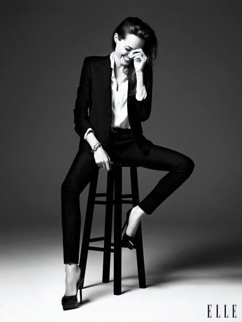 Angelina Jolie Elle nahm an der Juni-Ausgabe von Amerika teil – Fotografiert von Heidi Slimane, Kreativdirektorin von Saint Loren …