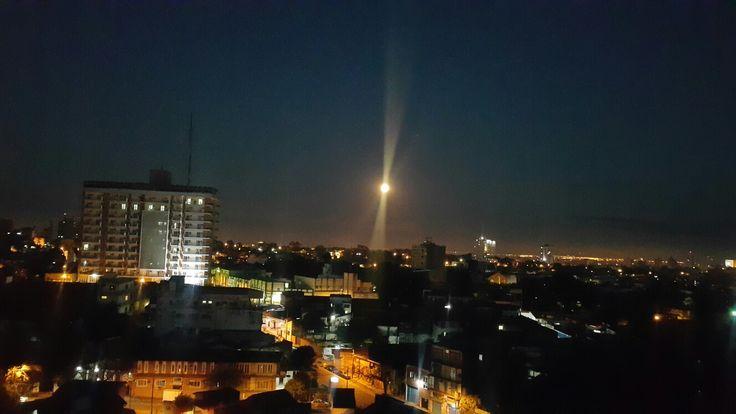 Buenos días! La luna a esta hora! #Amanece #Paraguay