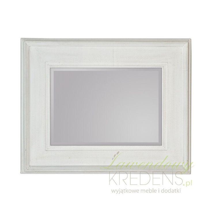Lustro w stylu prowansalskim z szeroką drewnianą ramą w kolorze białym, który jest efektownie przecierany co dodaje elegancji. Zaletą lustra jest to, że można powiesić je w pionie tak samo i w poziomie.