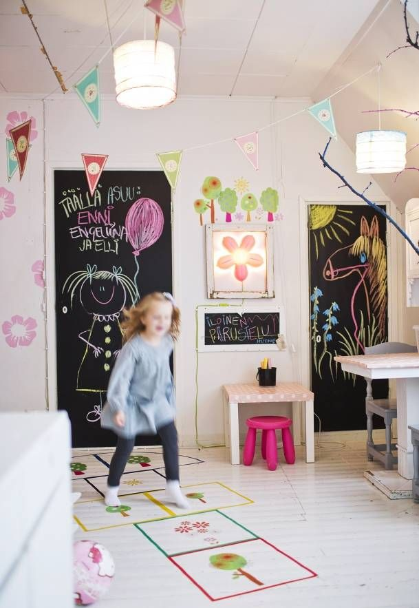 Chalkboard painted doors and hop scotch. Great features in your child's bedroom! #escape