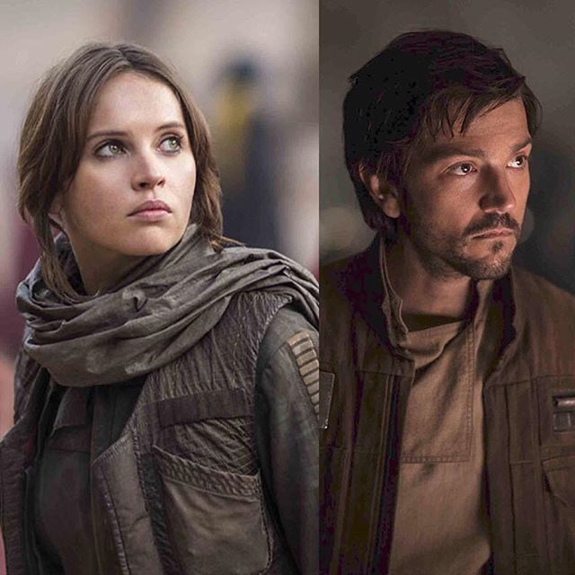 I like all the costumes in Rogue One, especially the ones worn by Stardust (Jyn) and Cassian.  Jyn's brown rebel jacket with vest and scarf is so cool as is Cassian's brown rebel jacket and his blue rebel parka.  The costume designers, David Crossman and Glyn Dillon did an amazing job with nailing the look of the outfits.