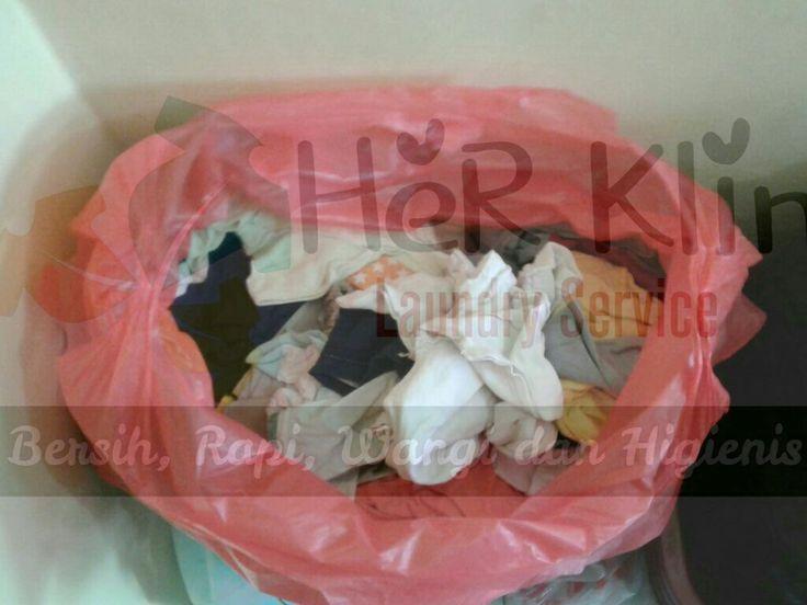 Pusing lihat banyak pakaian kotor??? Tidak usah bingung   Langsung merapat ke @HeRKlin_Laundry aja Melayani paket kiloan dan satuan Juga tersedia paket bulanan dengan harga MENARIK    DROP YOUR LAUNDRY HERE  instagram : @HERKLIN_LAUNDRY  jl. Mesjid no 86 Maruga Ciater Serpong =========================  melayani service laundry bedcover, boneka, handuk, sprei dll =========================  #herklinlaundy #laundry #laundryroom #laundryservice #laundrykiloan #laundrysatuan