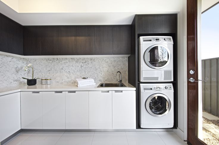 Clarendon Homes. Fairmont 40. Luxurious laundry room off the butlers pantry.