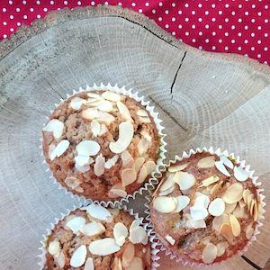 Lekkere speculaasmuffins! Super voor Sinterklaasavond. Ook een leuke basis als je cupcakes wilt versieren in stijl van Sinterklaas. http://dekinderkookshop.nl/recepten-voor-kinderen/speculaasmuffins/