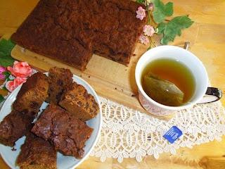 De herfst is weer in aantocht... het is weer tijd voor 'knusse' recepten :-) Kijk voor deze heerlijke tarwe-kruidkoek op http://heerlijke-recepten.blogspot.nl/2012/09/gezonde-tarwe-kruidkoek.html Ik heb voor deze koek zelf een lekker tarwe-cakemeel samengesteld! Je ziet het recept stap voor stap :-)