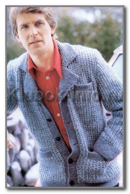 Вязание спицами. Жакет-пиджак с английским воротником и с карманами. Размер 46-48