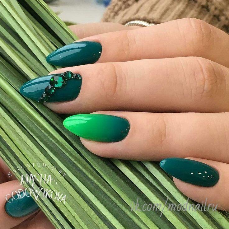Mehrfarbige Nägel: Neuer Trend und beste Designs – Nails