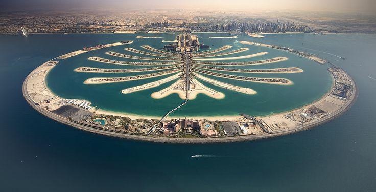 Megaposh Skyline: Inside Dubai's Top Mega-structures    Image Source: http://blog.bayut.com/wp-content/uploads/The-Palm-Jumeirah.jpg