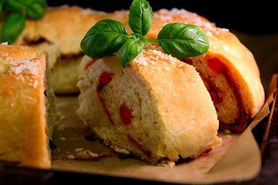 Kakkuviikarin vispailuja!: Italialainen täytetty leipä