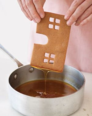 "Use caramel to ""glue"" the house together"