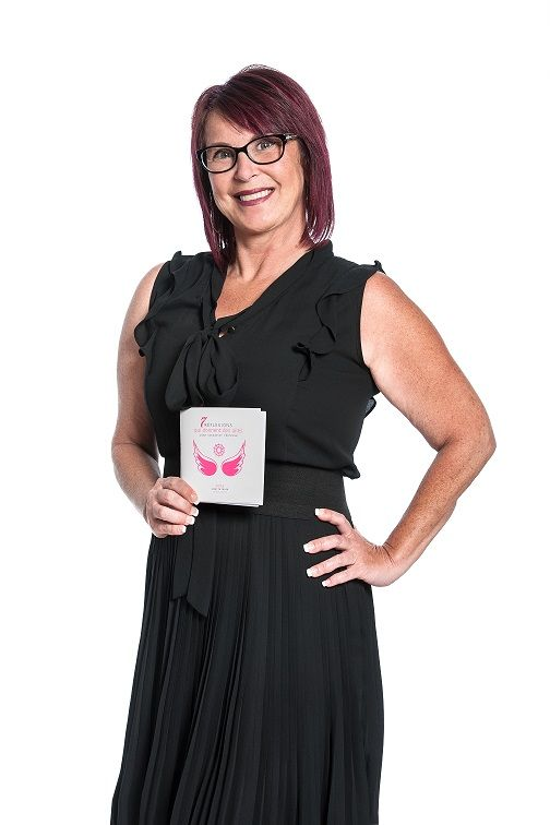 Survivor of breast cancer, a medical error and many operations since 2011, Nathalie is a hardcore in soul, always ready to help. A businesswoman who has always been in the realm of beauty, she is full of positive and dreamy energy, but she is never afraid to dare.