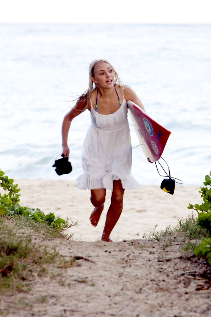 19 Heartbreaking, Tearjerker Movies Every Girl Should Cry Through At Least Once: Soul Surfer - I've seen all but 4 and cried through all that I've seen...