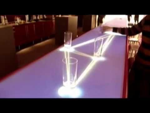 """Pero si hay mesa de billar, por qué no un """"ice bar"""".....!!!!!  ( En la Condesa hay un antro donde la puedes ver )"""