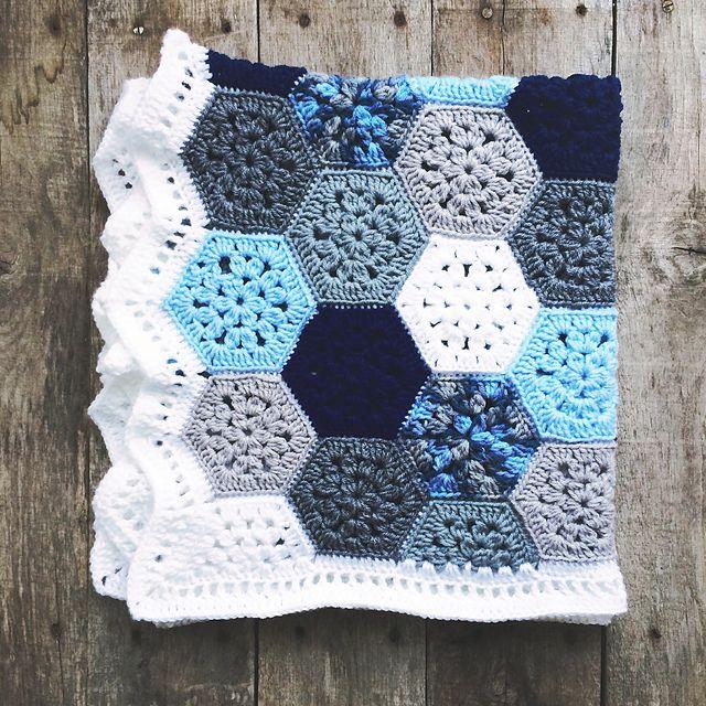 Super Simple Hexagon pattern by Leanda Xavian | B n H | Pinterest