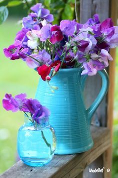 Sweet peas and old pitchers