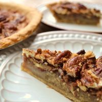 Not Too Sweet Vanilla Pecan Pie***