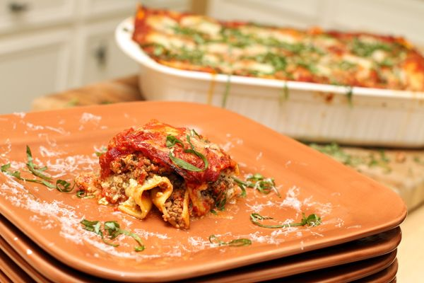 Lasagna | Recipes to try for the family | Pinterest | Lasagna, Plates ...