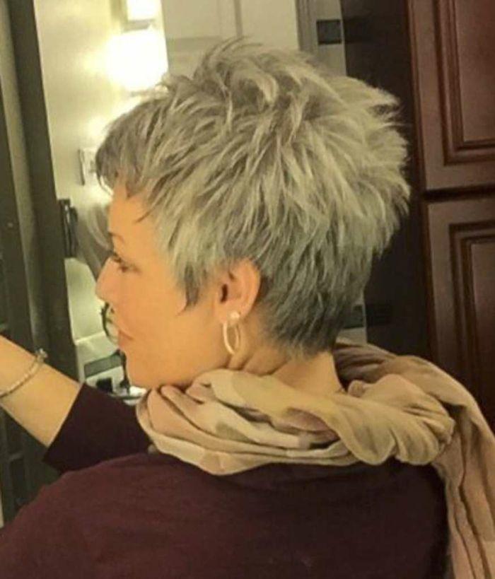 Bildergebnis für naturgraue haare frisuren 2017